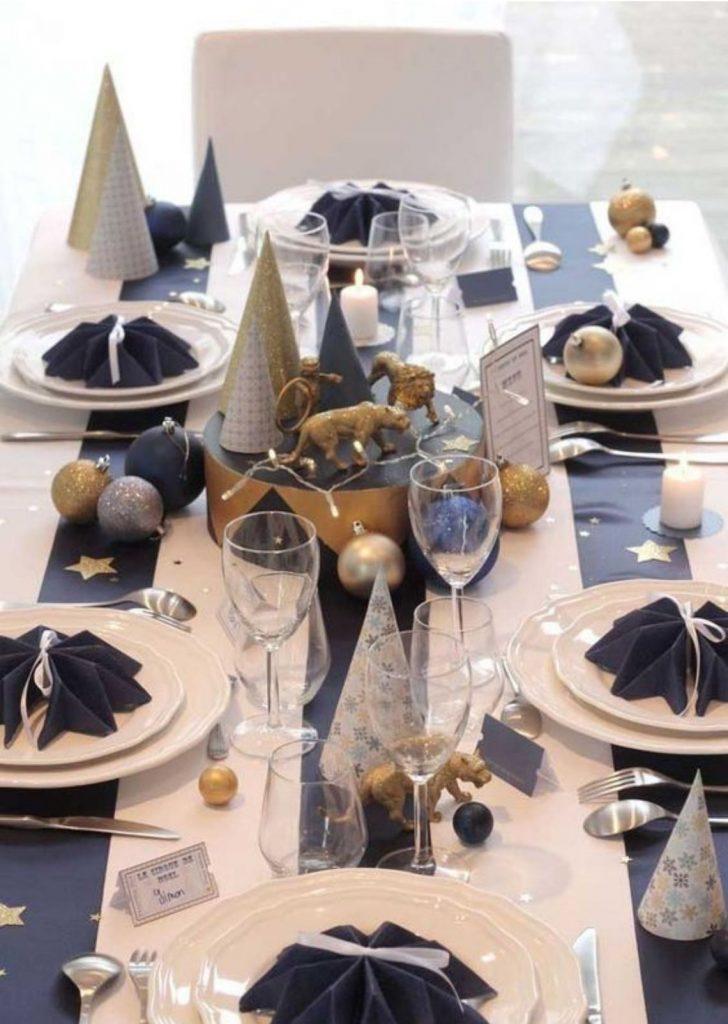 Mesa de Natal Azul Marinho Branco e Dourado