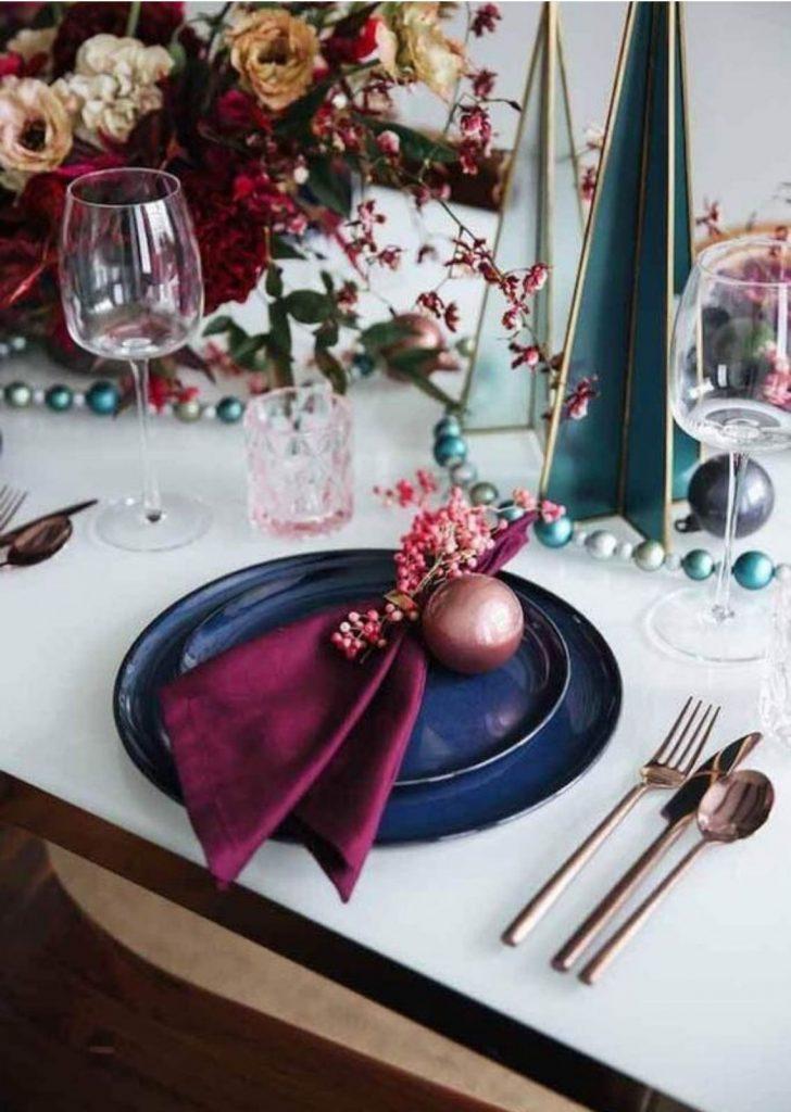 Mesa de Natal Azul Marinho e Magenta