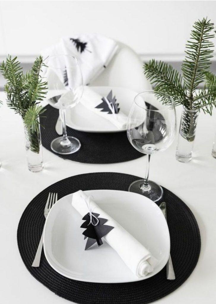 Mesa de Natal Branco e Preto Simples