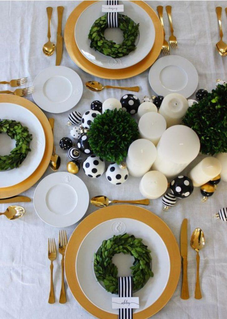 Mesa de Natal Branco Preto Dourado e Verde