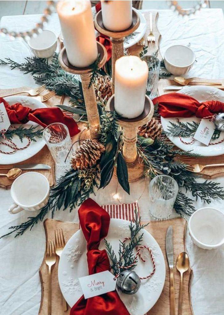 Mesa de Natal Branco Vermelho e Dourado 3