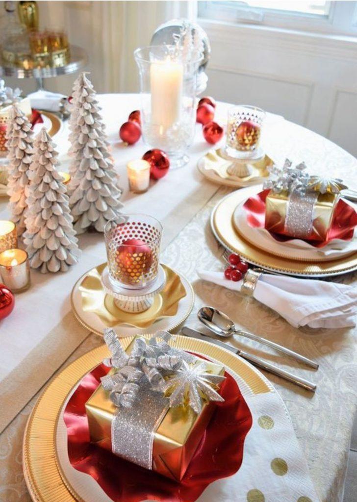 Mesa de Natal Branco Vermelho e Dourado