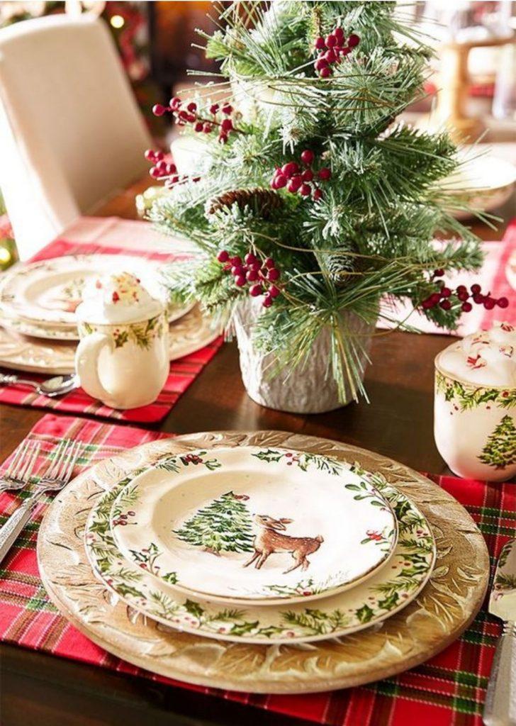 Mesa de Natal Louça Decorada 3
