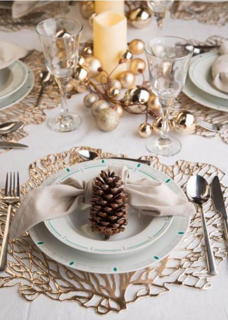 Mesa de Natal Pinhas