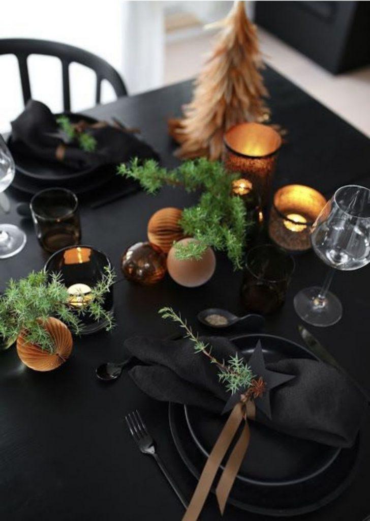 Mesa de Natal Preto Dourado